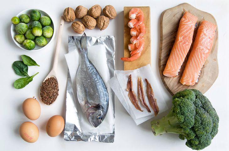 W diecie niskotłuszczowej brakuje ryb, orzechów, olejów