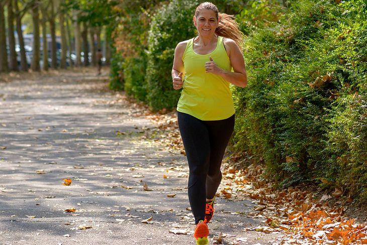 Jak biegać, by schudnąć? Dobre efekty daje zarówno wolne bieganie, jak i interwały