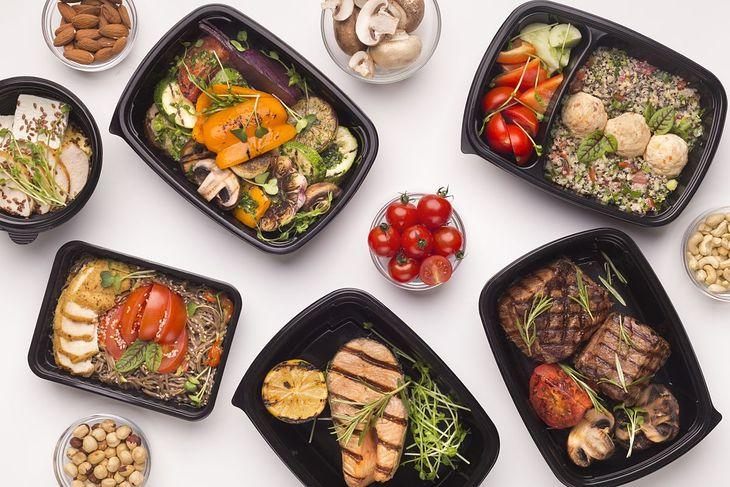 Dieta pudełkowa to dobra propozycja dla tych, którzy chcą schudnąć, a nie mają czasu na przyrządzanie posiłków