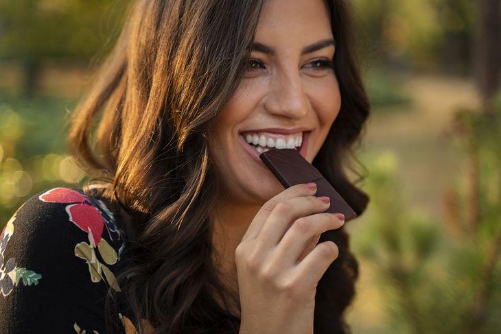 Na diecie DASH zalecane jest spożywanie gorzkiej czekolady