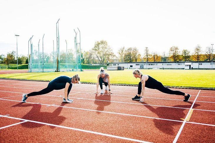 Na bieżni można wykonać zarówno trening interwałowy, jak i trening kardio