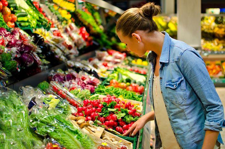 W diecie oczyszczającej spożywasz głównie warzywa i owoce