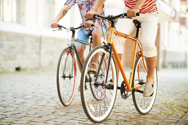 Wybór odpowiedniej ramy to kluczowy element przy zakupie roweru