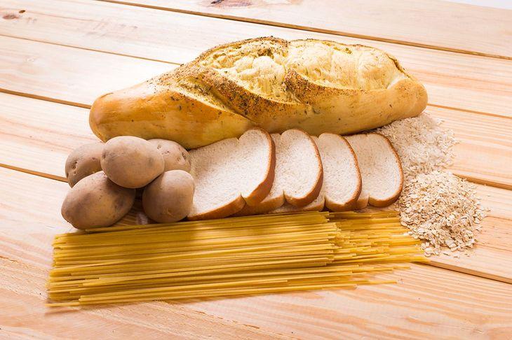 Ziemniaki, białe pieczywo, biały ryż - to produkty zakazane w diecie przeciwgrzybiczej