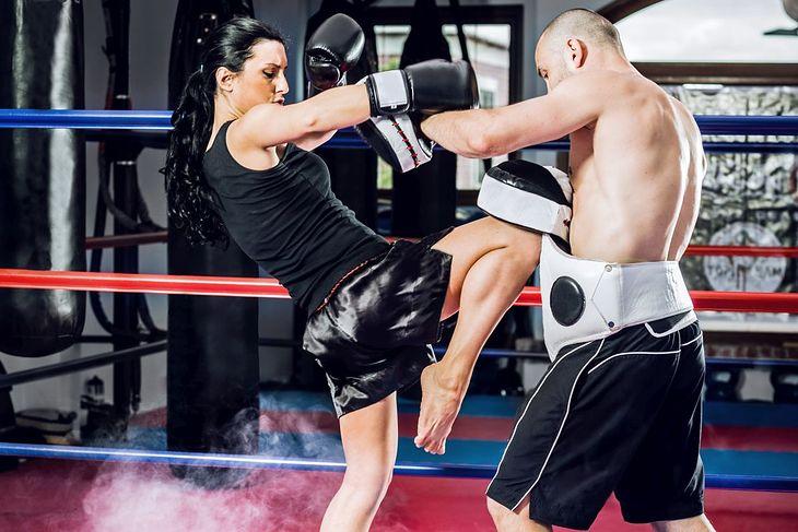 W tajskim boksie dozwolone jest używanie kolan