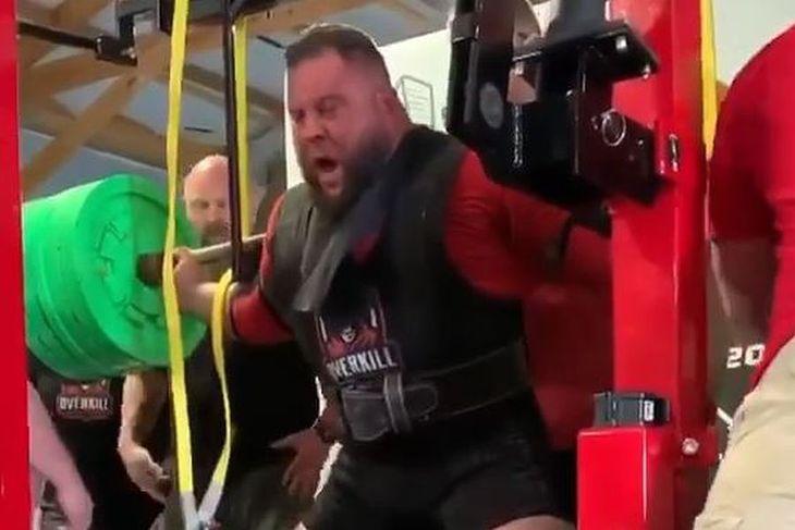Brian Carroll podczas pobijania rekordu świata