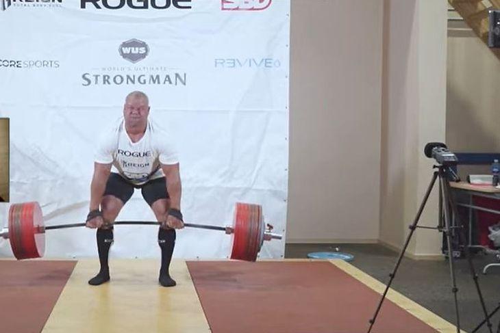 Rauno Heinla podczas szóstej próby ze sztangą 400 kg