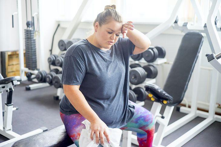 BPA może być powodem otyłości u młodych dziewcząt.