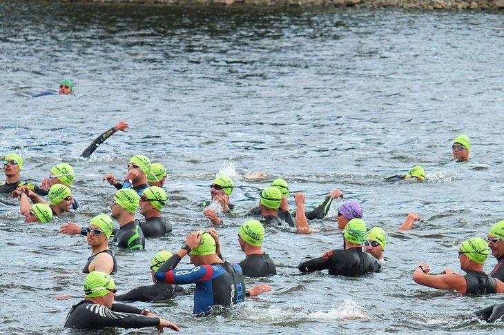 Pływanie podczas triathlonu