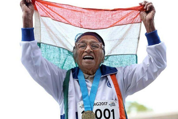Man Kaur świętuje złoty medal