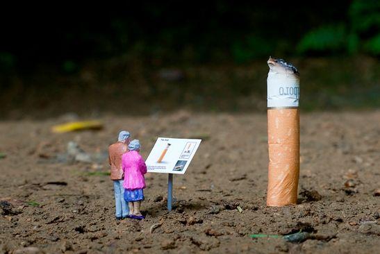 Relics, fot. Slinkachu / little-people.blogspot.com