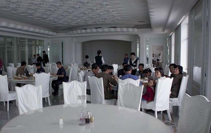 W Pjongjang została otwarta nowa restauracja dla elit.