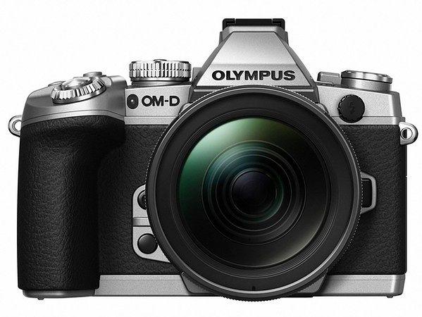 Olympus OM-D E-M1 w srebrnej obudowie