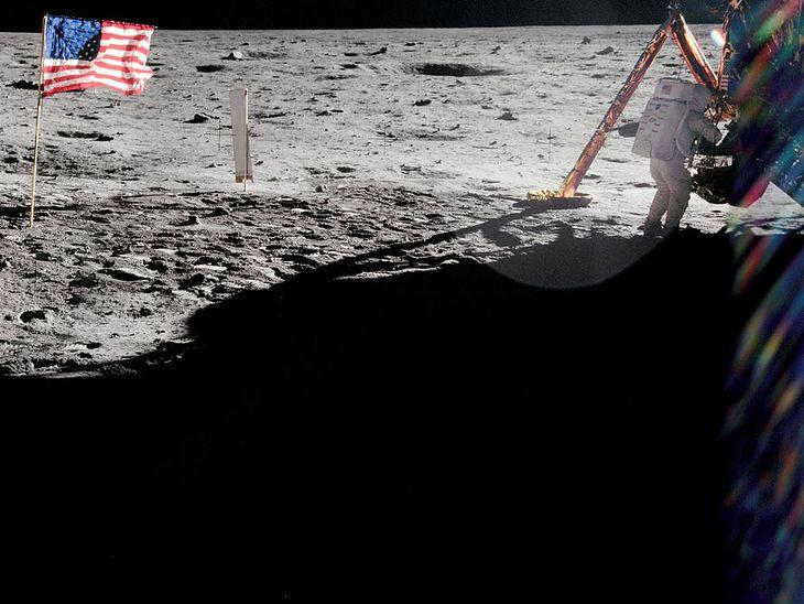 Pierwszy spacer po Księżycu.