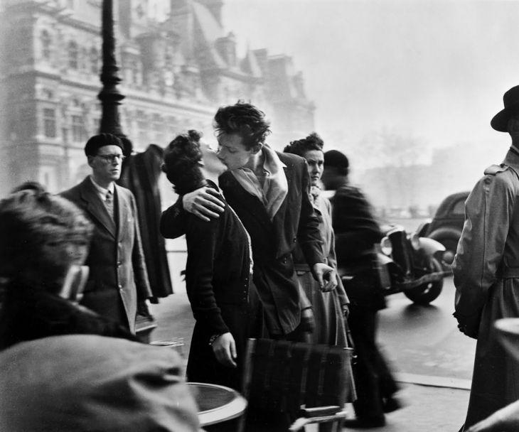 Pocałunek przed ratuszem, 1950 r.