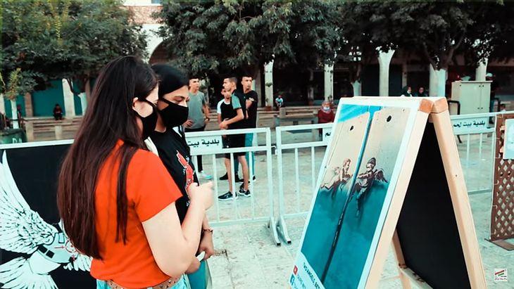 Wystawa zdjęć przedstawiających dzieła Banksy-ego.