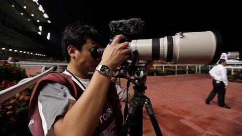 Filmowe możliwości Canona EOS-1D Mark IV przetestowane w półmroku