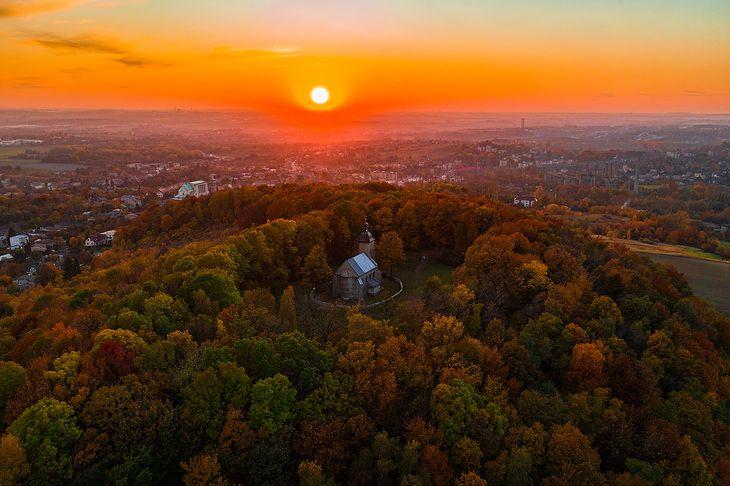 Będzin, 15.10.2019. Wzgórze św. Doroty w jesiennej aurze.