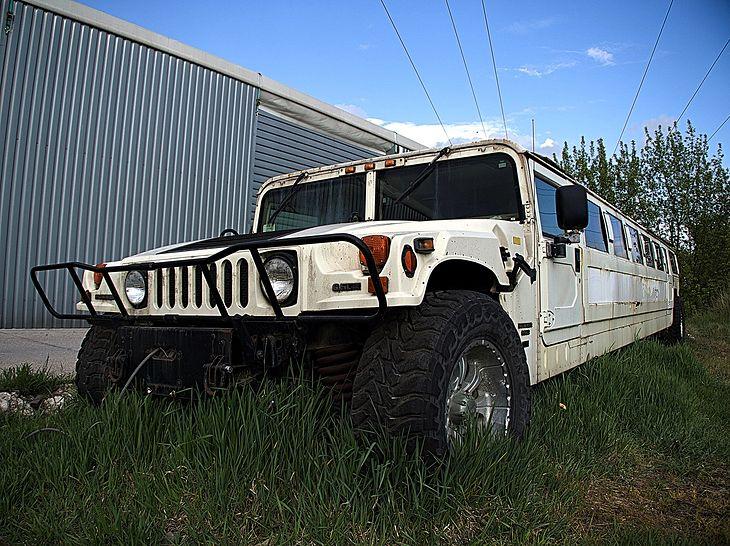 Porzucony Hummer H1. (fot. Jan Chojnacki)