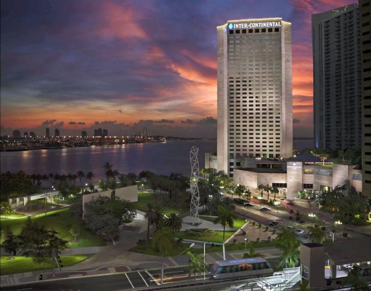 Hotel Intercontinental w Miami według wizji Mike'a Butlera (via YouTube)