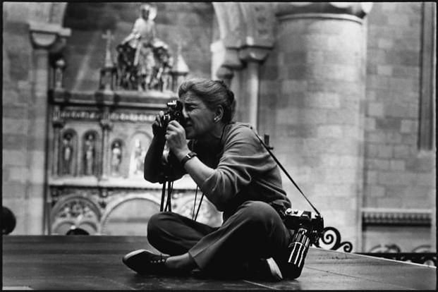 Eve Arnold   Photo: Robert Penn. 1963  ? Eve Arnold/Magnum Photo