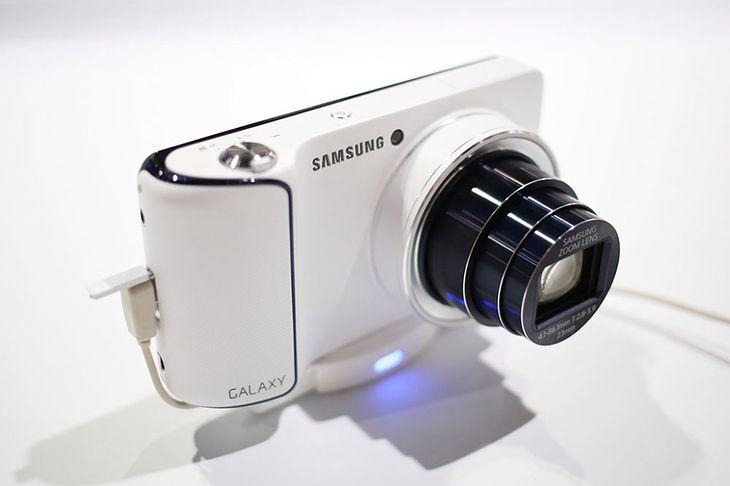 Samsung Galaxy Camera - czy uratuje rynek kompaktów?