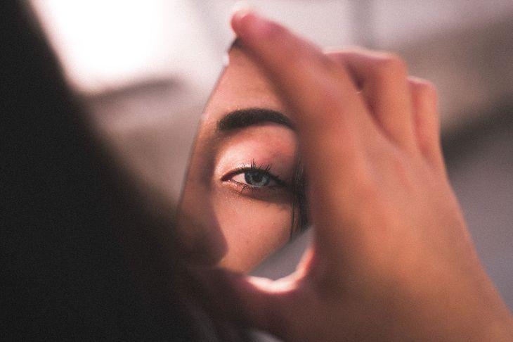 Jak zmienić kolor oczy używając programu Photoshop?
