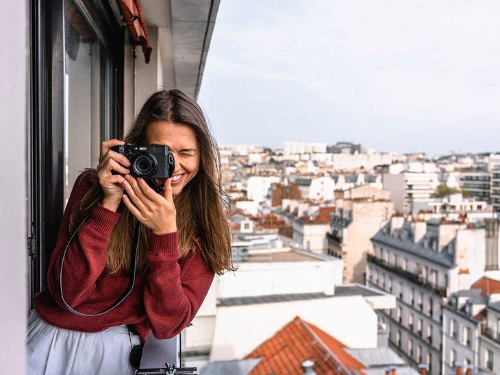 Przed rozpoczęciem przygody z fotografią warto poszerzyć swoją wiedzę o aparatach fotograficznych