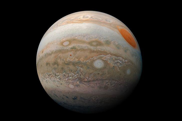 Jowisz widziany z nowej perspektywy