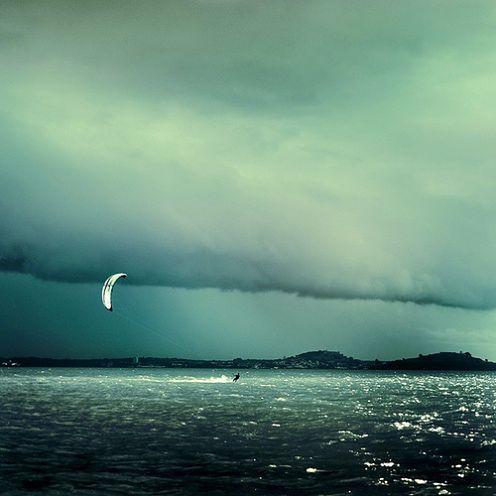 Cuba Gallery: Kite surfer / Flickr