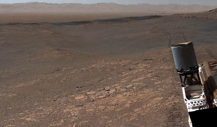 Fragment panoramy uchwyconej przez łazik Curiosity