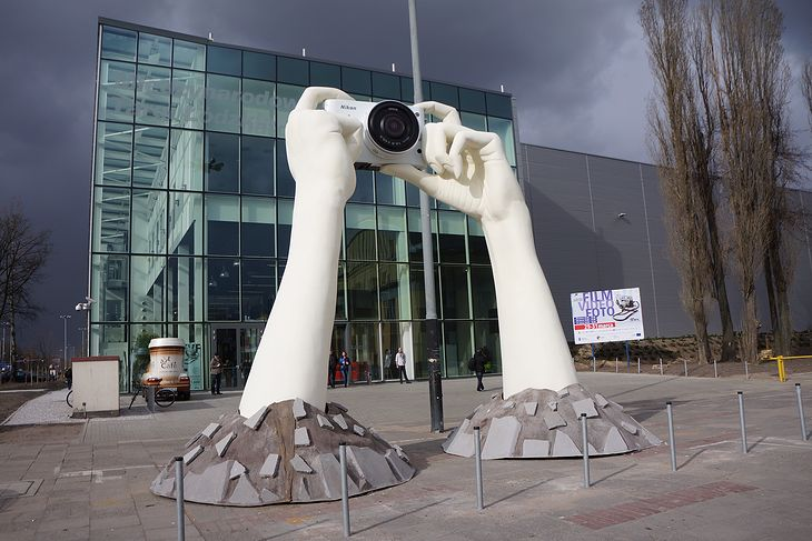 Główne wejście na targi FVF w 2012 © KB