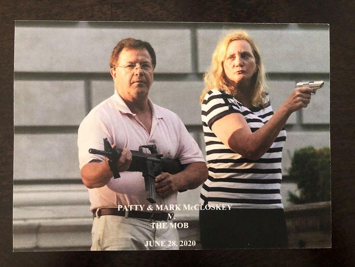 Tak wyglądają pocztówki. Niektóre zostały nawet podpisane na przodzie.