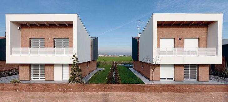 Ekologiczne domy, San Giovanni / Persiceto © Rhodri Jones