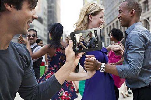 Wielka Photoshopowa wpadka przy reklamie Samsunga Galaxy TAB?