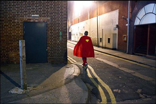 "Maciej Dakowicz, The nightlife in Cardiff, UK (seria ""Cardiff After Dark""), 2009 (źródło: Fundacja .DOC)"
