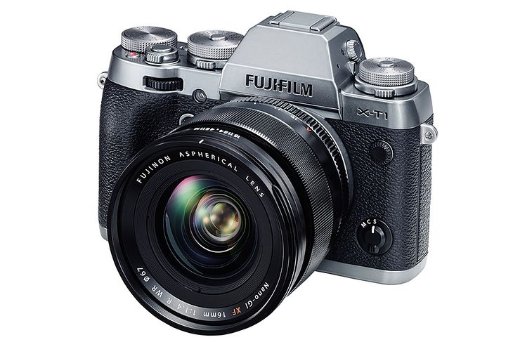 Fujinon XF 16 mm f/1.4 R WR z aparatem Fujifilm X-T1