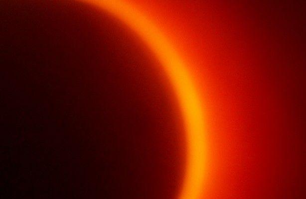 Obrączkowe zaćmienie Słońca online (fot.: sxc.hu)