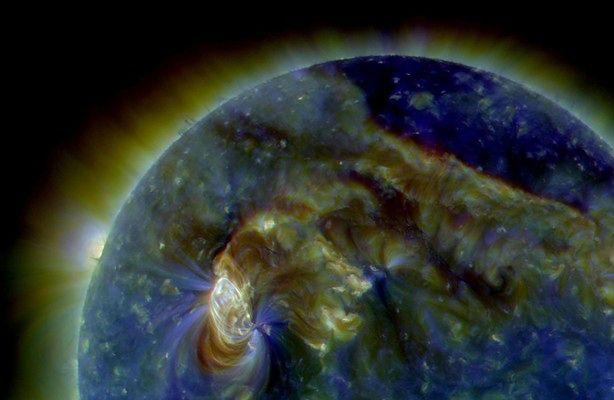Silne rozbłyski na Słońcu - czy sięgną Ziemi? (fot.: Solar Dynamics Obserwatory)