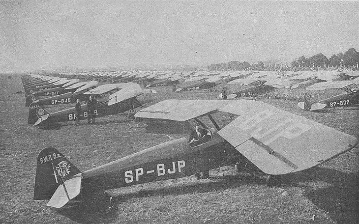 126 samolotów RWD-8 ofiarowanych przez społeczeństwo na rzecz armii (1937)