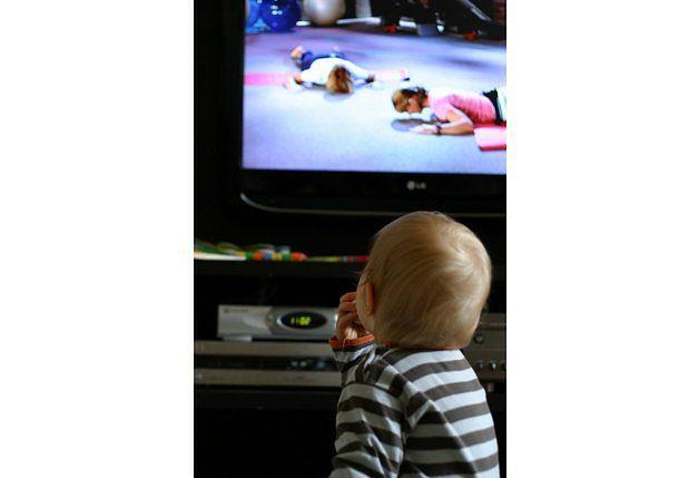 Dzieci nie są ograniczone godzinami emisji ulubionych programów. Swoje ukochane bajki mogą oglądać o dowolnej porze.