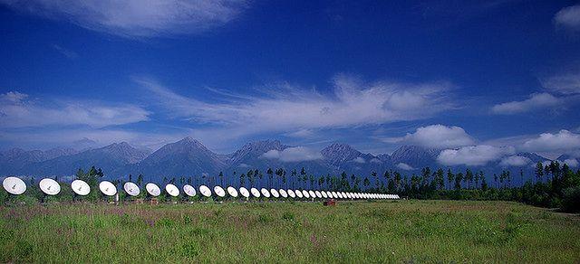 Radioteleskopy na Syberii (fot. Sergey Gabdurakhmanov CC-BY)