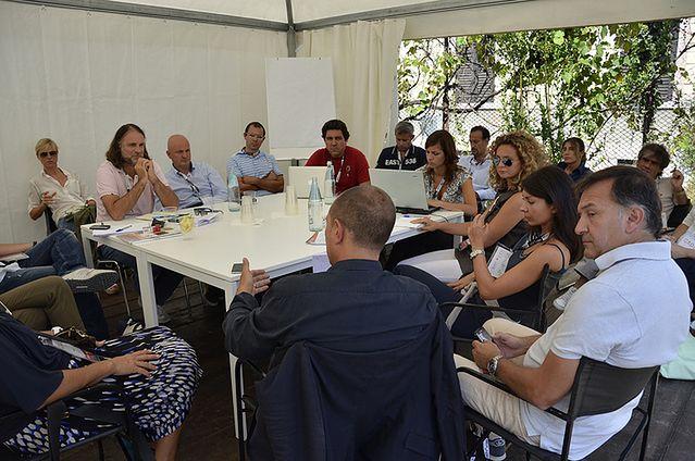 W grupie, często zdajemy się na opinię przywódcy (fot. veDro - l'Italia al futuro CC-BY)