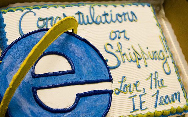 Gratulacje od twórców IE. Tylko dla kogo? ;) (Fot. Flickr/robceemoz/Lic. CC by)