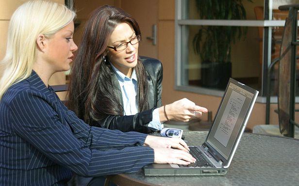 Szok! Kobiety umieją używać komputerów (Fot. Flickr/Jerry Bunkers/Lic. CC by)