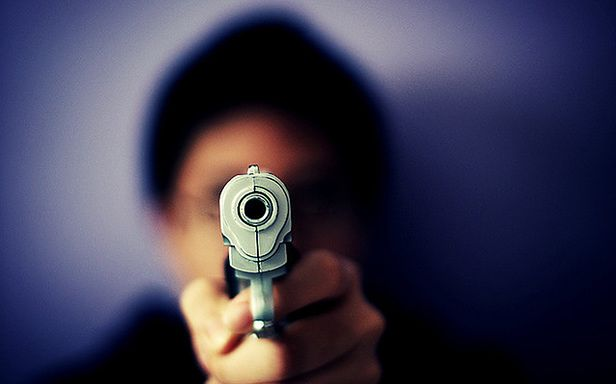 To tylko pistolet-zabawka (Fot. Flickr/Shermeee/Lic. CC by)