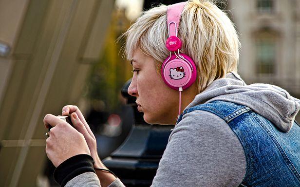 Czego słuchają Polacy? (Fot. Flickr/garryknight/Lic. CC by-sa)