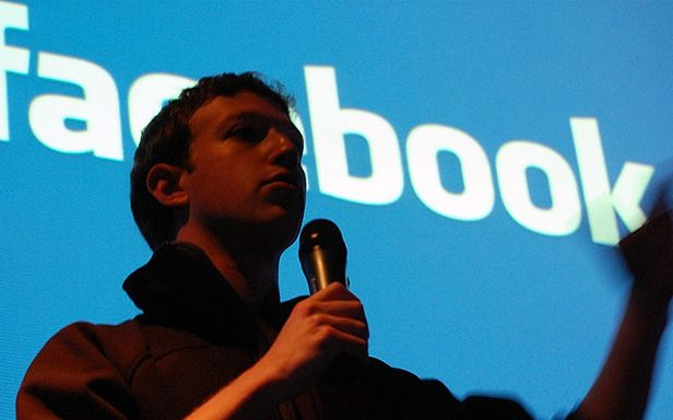 Co najczęściej polecali użytkownicy Facebooka? (Fot. Flickr/Andrew Feinberg/Lic. CC by)