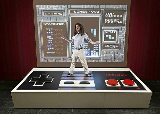 Największy pad do NESa na świecie. Można grać i na nim