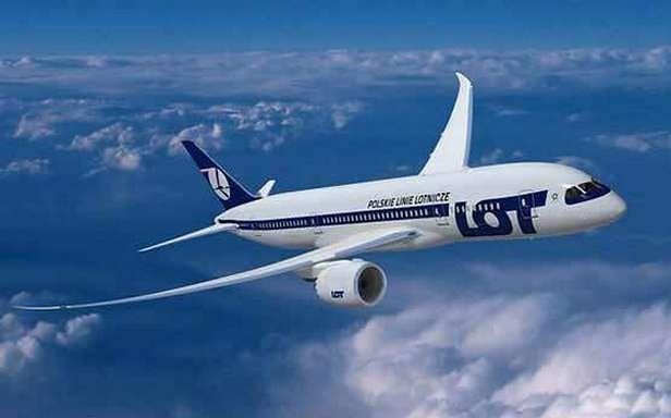Wizualizacja Dreamlinera w barwach LOT-u (Fot. Boeing.de)